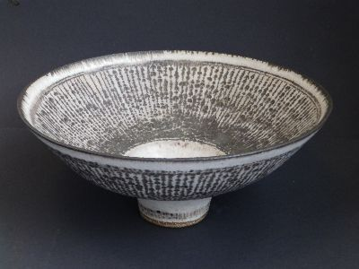 LUCIE RIE BOWL SELLS FOR £23,000